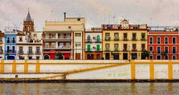 Viajes Low Cost para estudiantes: Casas de Andalucía